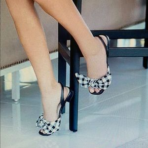 Brand New.....Aerosole Down Time Sandal